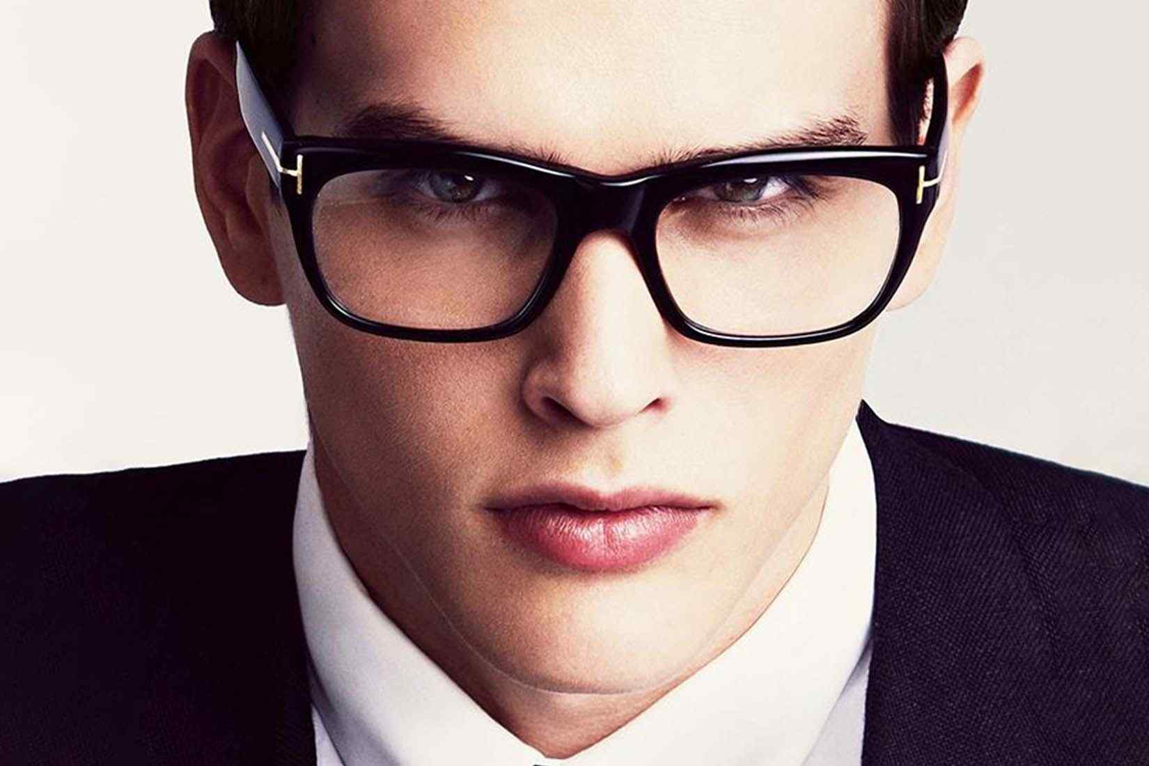 Tom Ford Spectacles 15 1650x1100